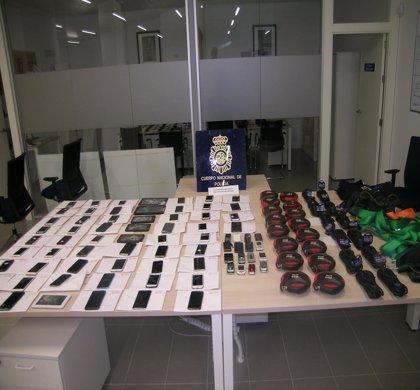 Detenido en Sevilla un hombre acusado de comprar teléfonos móviles robados para traficar con ellos
