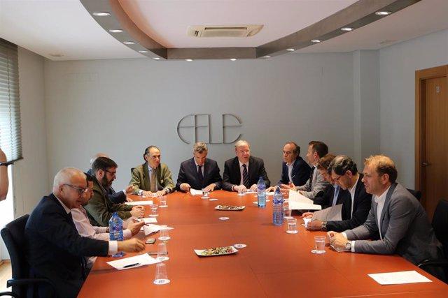 """26M.-El PP De León Propone A Los Empresarios Rebajar Los Impuestos Como """"Lanzadera Para La Creación Empresarial"""""""