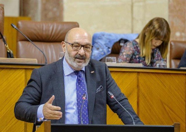 """Vox urge a la Junta """"pasar de los dichos a los hechos"""" en regeneración y Marín asegura que están """"levantando alfombras"""""""