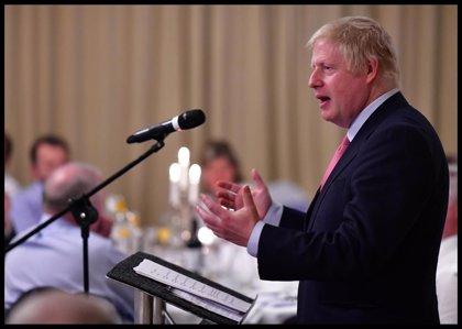 Boris Johnson confirma que intentará suceder a May en Downing Street