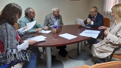 26M-M.- Wenceslao López (PSOE) compromete la colaboración del Ayuntamiento para dinamizar el comercio en Oviedo