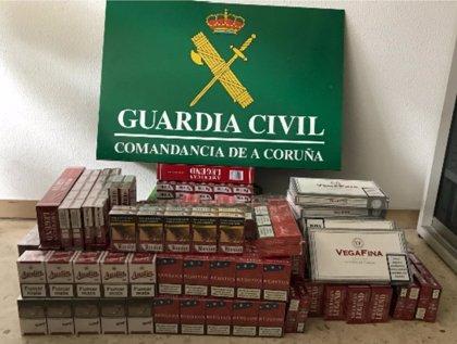 """Intervenidas 410 cajetillas de tabaco en almacenes """"en estado de abandono"""" en A Coruña"""