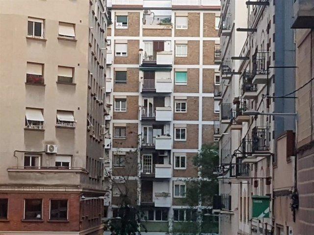 """El observatorio de vivienda de la metrópolis barcelonesa ve una """"tendencia a la moderación"""" en 2018"""