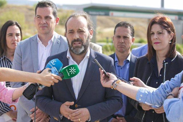 Málaga.- 26M.- Cs promete una línea rápida litoral de la EMT y el billete único intermodal