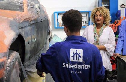 """Pilar Marín apuesta por el tándem """"formación y empleo"""" para """"combatir el paro juvenil"""" en Huelva"""