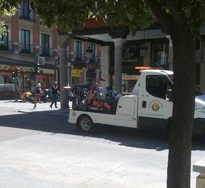 La Policía de Valladolid retira con la grúa un patinete eléctrico por circular sin matrícula y documentación