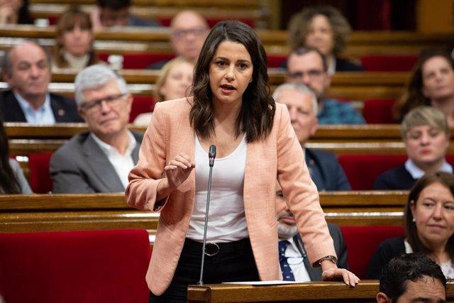 VÍDEO: Arrimadas achaca al 26M el veto a Iceta, pero da por hecho que ERC ya tiene cerrado un pacto con Sánchez