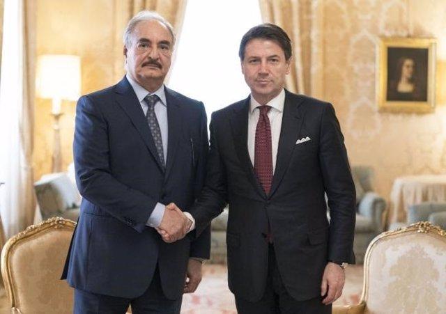 Libia.- El primer ministro italiano llama al alto el fuego en Libia tras verse con Haftar