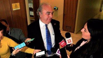 Graban la violenta agresión del diputado chileno René Manuel García a un periodista en el Congreso