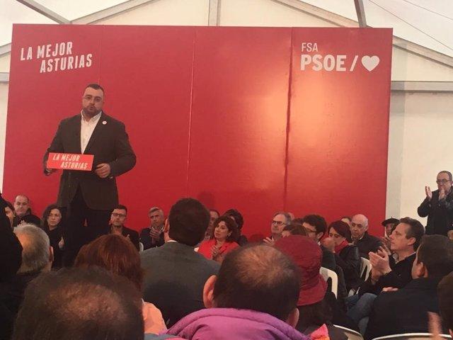 Barbón y el PSOE asturiano trasladan su apoyo a Rubalcaba y su familia en el acto de inicio de campaña