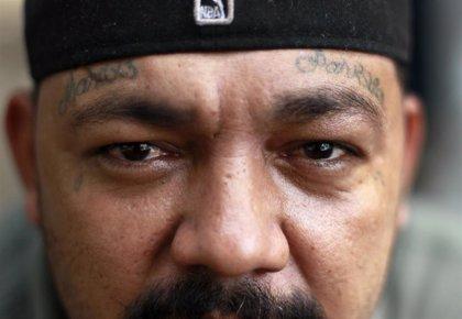 Fiscales de El Salvador emiten órdenes de arresto contra 274 presuntos miembros de pandillas