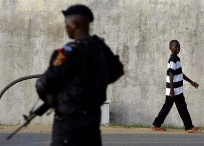 HRW insta a Angola a investigar los presuntos abusos por parte de las fuerzas de seguridad contra activistas