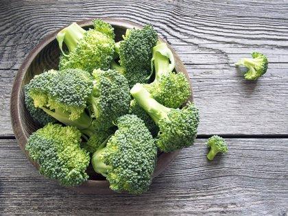 Investigan un compuesto del brócoli que suprime el crecimiento tumoral