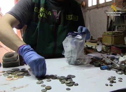 Diez detenidos acusados de expolio y venta de más de 30.000 bienes arqueológicos en Sevilla, Granada y Cádiz