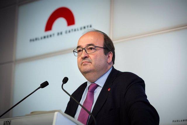 Roda de premsa del líder del PSC, Miquel Iceta, en el Parlament de Catalunya, després de ser vetat com a senador autonòmic