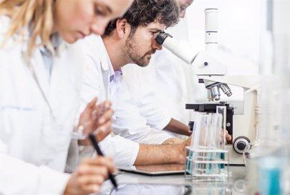 La AECC de Baleares destina 84.000 euros a la formación de jóvenes investigadores