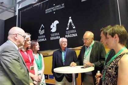 Las denominaciones de origen jiennenses presentan en Expoliva la Fundación Certioleo Garantía Alimentaria