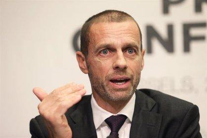 La UEFA lanza un plan para duplicar en cinco años el número de mujeres y niñas jugando a fútbol