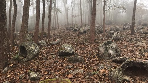 El enigma de las tinajas megalíticas de Laos se extiende