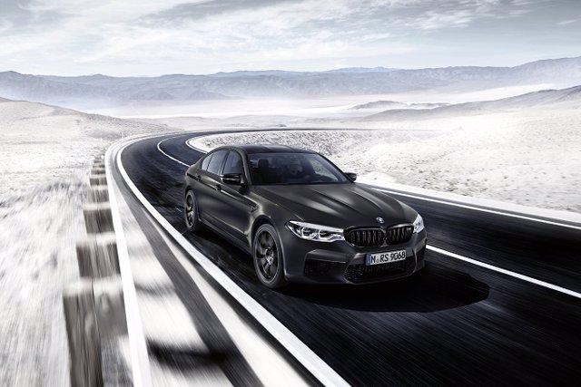 Economía/Motor.- BMW lanza una edición especial 35 aniversario para el M5, limitada a 350 unidades y disponible en julio