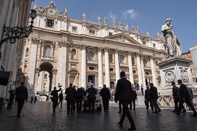 """Vaticano.-Altos cargos ven en las nuevas normas antipederastia del Papa una """"señal muy fuerte"""" de que """"no hay inmunidad"""""""