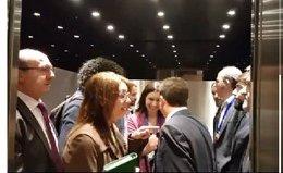 Pablo Iglesias y Santiago Abascal coinciden por primera vez en el Congreso compartiendo ascensor