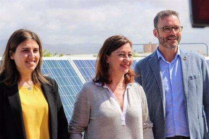 Armengol asegura que invertirá 300 millones en instalaciones fotovoltaicas y de autoconsumo