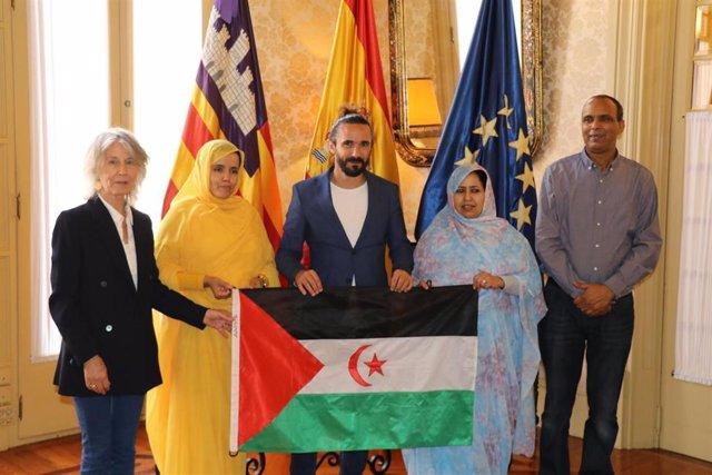 Picornell recibe en audiencia a la asociación de Amigos del Pueblo Saharaui de Baleares