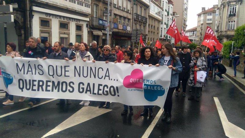 Miles de personas salen a la calle en toda Galicia para gritar 'Máis que nunca, Queremos Galego!'