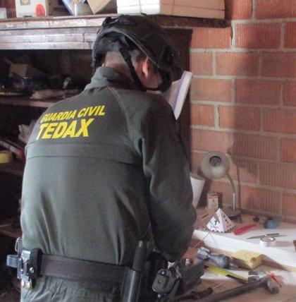 La Guardia Civil desactiva dos artefactos explosivos de la Guerra Civil en Lopera y Martos (Jaén)