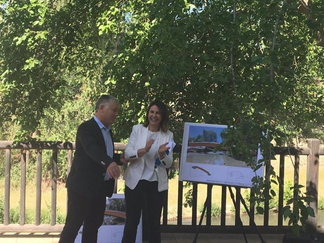 Granada.- Comienza la construcción de una pasarela peatonal sobre el río Alhama en Santa Cruz del Comercio