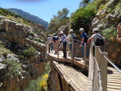 Endesa muestra a expertos digitales en turismo el Caminito del Rey y la central Tajo de la Encantada