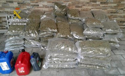 Guardia Civil intercepta un vehículo sustraído con más de 80 kilos de marihuana