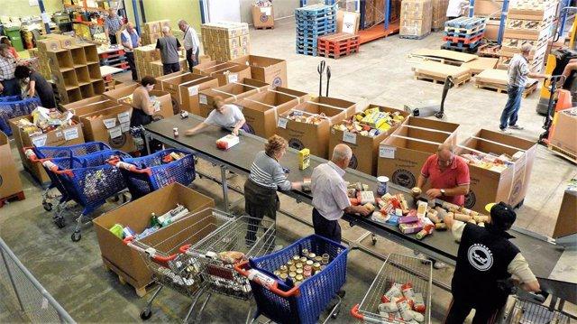 Voluntarios en el Banco de Alimentos de Navarra
