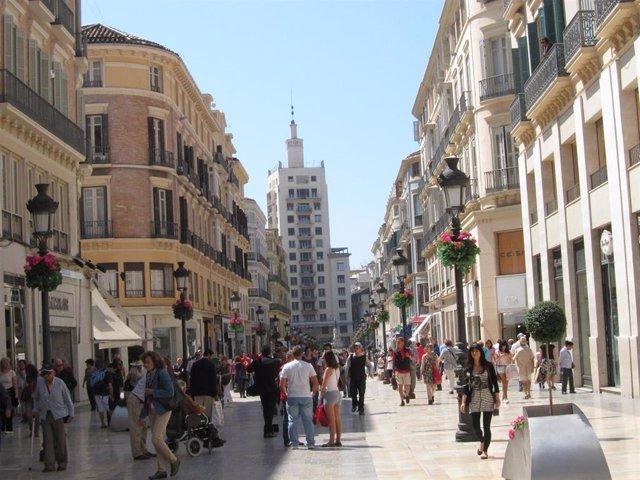 Calle Larios De Málaga Capital Con Comercio, Turistas, Ciudadanos