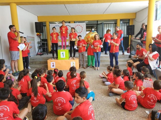 Córdoba.- Educación.- La Junta entrega las medallas de las 33ª Olimpiadas Escolares 'Stop al absentismo escolar'