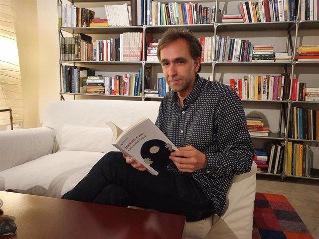 """El escritor Harkaitz Cano defiende que 'Josu Ternera' """"ayudó"""" a desmantelar ETA: """"Hay que contar las cosas como fueron"""""""