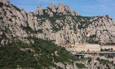 Nou de cada deu ciutadans de les comarques barcelonines creu que el turisme les beneficia (EUROPA PRESS - Archivo)