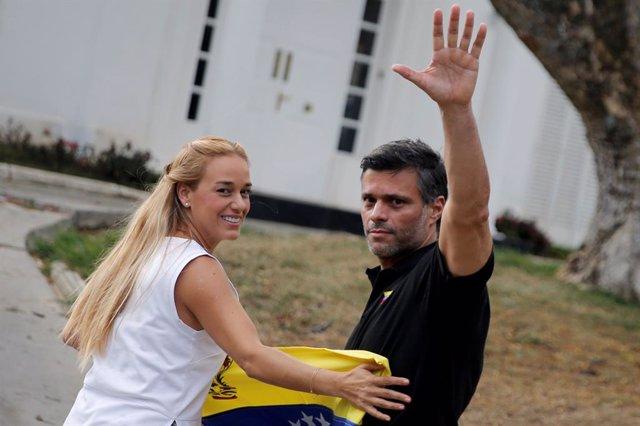 """España afirma que """"limitará"""" las actividades políticas de Leopoldo López en la Embajada de Venezuela"""