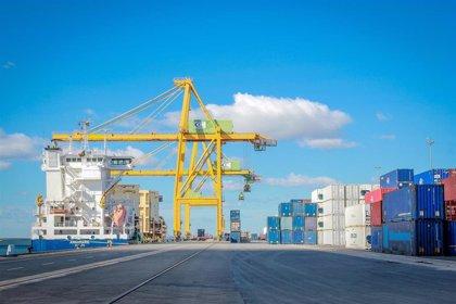 El puerto de Huelva mueve 2,5 millones de toneladas en abril y acumula más de 11,3 desde enero