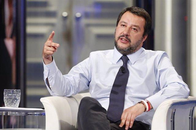 """Salvini felicita a los """"amigos"""" de Vox por su entrada en el Congreso"""