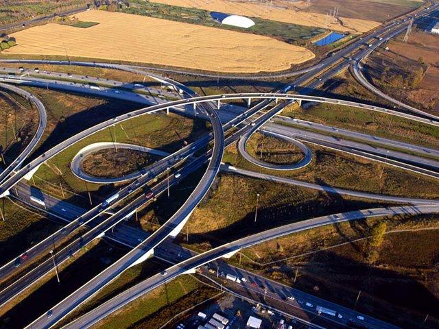 Economía/Empresas.- Ferrovial, interesado en subir su porcentaje en la ETR 407 de Toronto, la mayor autopista del mundo
