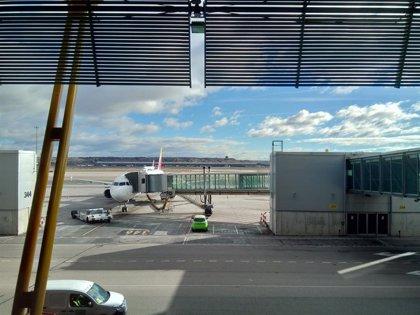 Un problema en los frenos de un avión procedente de Madrid provoca retrasos en el Aeropuerto de Asturias