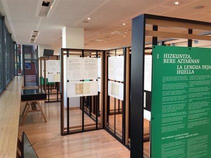La exposición 'Navarrorum. Dos mil años de documentos navarros sobre el Euskera' visita Irisarri