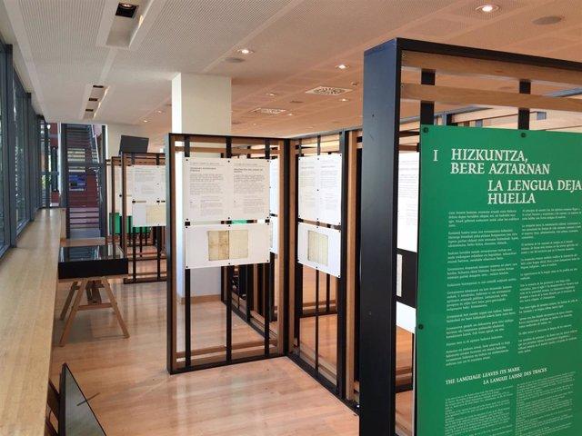 La exposición 'Navarrorum. Dos mil años de documentos navarros sobre el Euskera'
