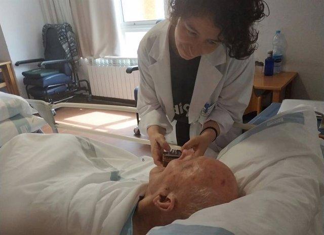 Un programa de musicoterapia logra beneficios físicos y emocionales en usuarios de una residencia de mayores de Teruel