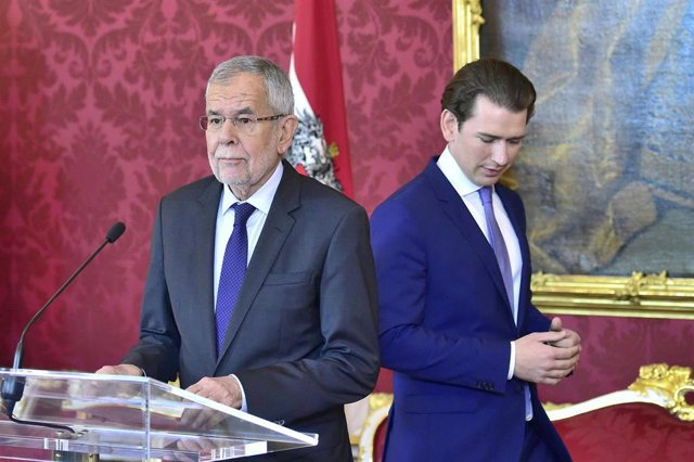 Government crisis in Austria