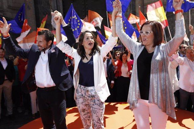 Acto de campaña de Ciudadanos con Inés Arrimadas en la Plaza del Cardenal Belluga en Murcia