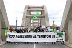 Més de 300 persones es manifesten contra l'abocador de Riba-roja d'Ebre (ACN)