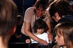 Els nens i nenes es fan seu el Poble Espanyol amb motiu del dia Minimúsica (ACN)